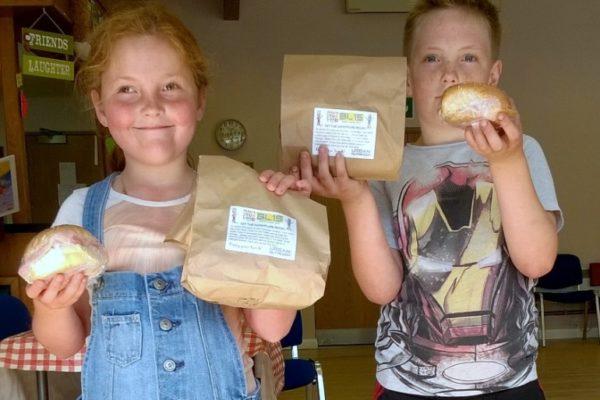 Children with sandwiches